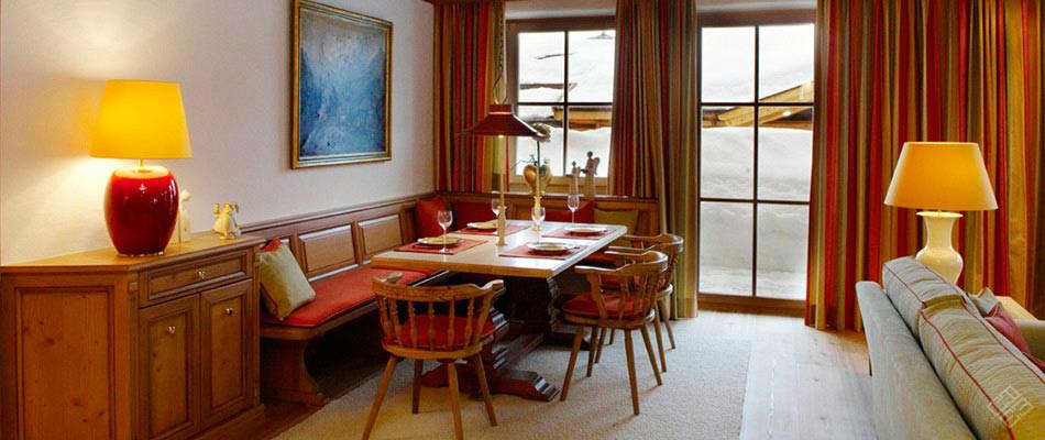 Atelier Minarik: Interior Design im Essbereich