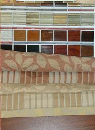 Stoffe in verschiedenen Farbtönen