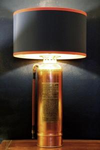 Lampe aus altem Feuerlöscher