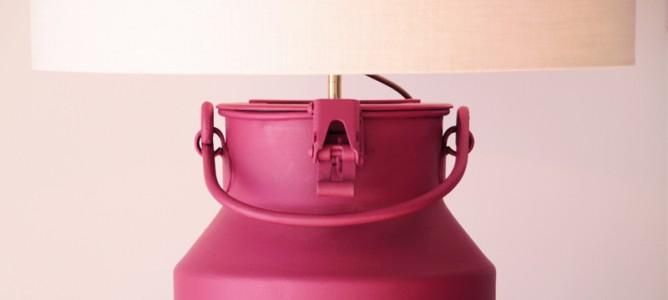 Detail einer Lampe aus einer Milchkanne, Interior Design Projekt